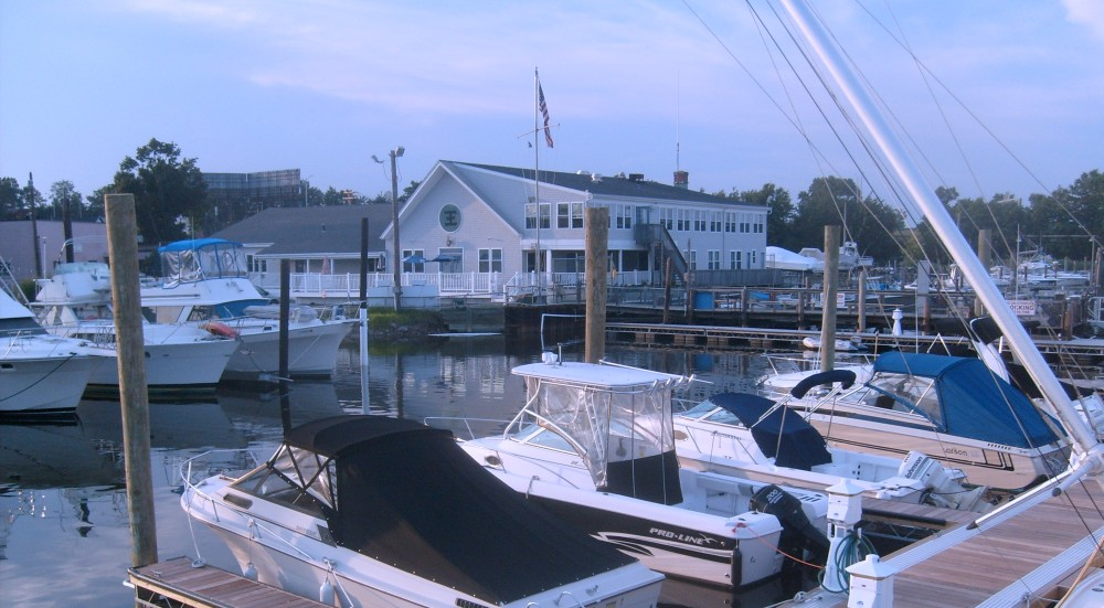 East End Yacht Club